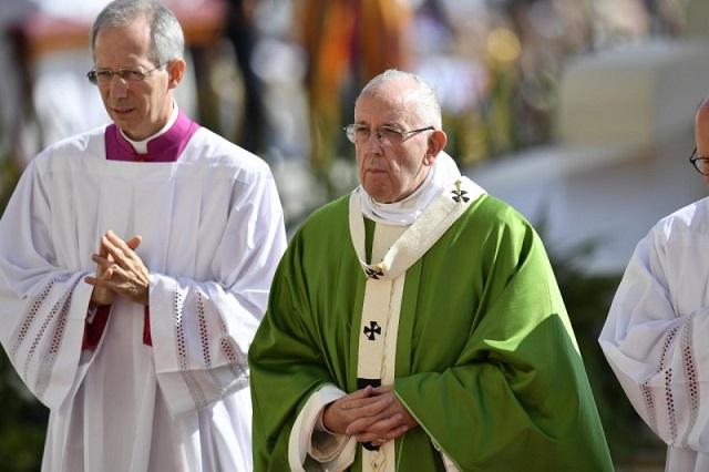 papa-misa-sinodo4