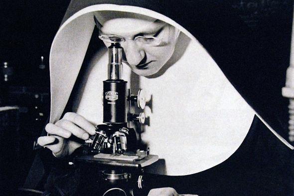 microscopio_monja_1