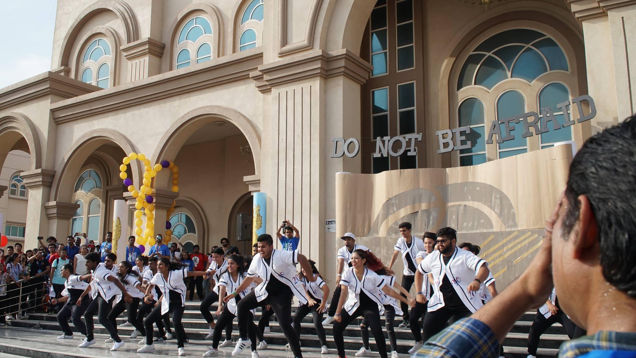 jovenes_catolicos_emiratos