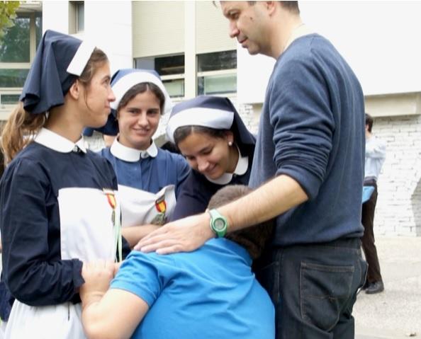 Hospitalarios, Las Manos de la Virgen