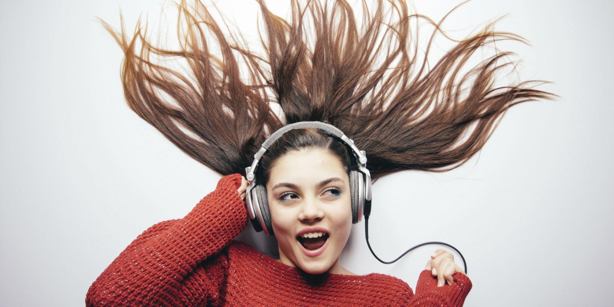 happy_listening1