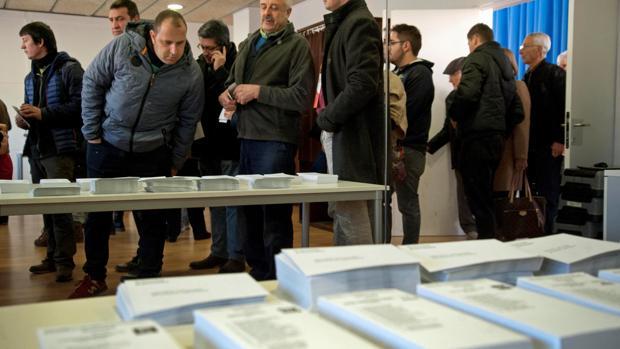 votar_elecciones_papeletas