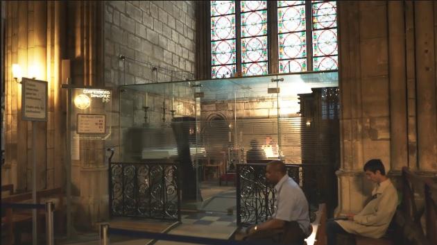 confesionario_notre_dame_vidriera