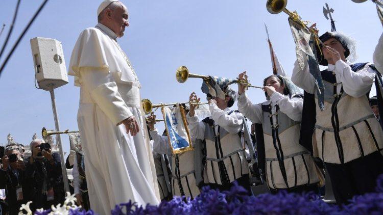 audiencia_papa_trompetas
