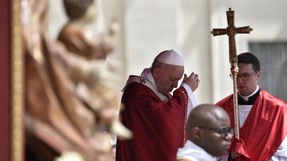 El papa Francisco advierte contra las sectas por