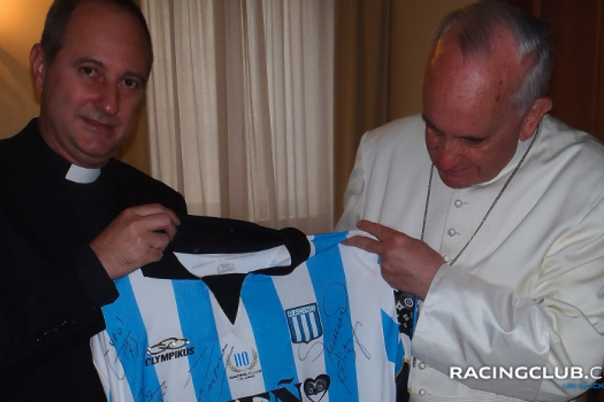cura_racing_papa_francisco