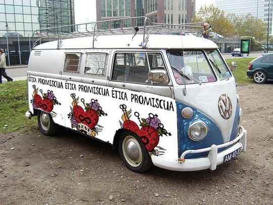 etica_promiscua_furgoneta