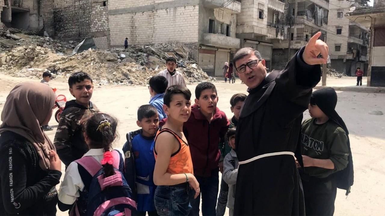 Fray Firas, reconstruir Siria