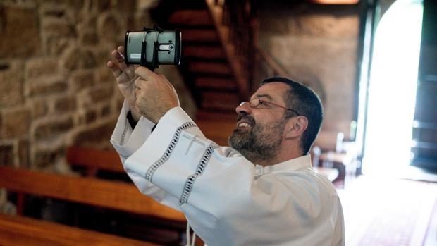 sacerdote-camara