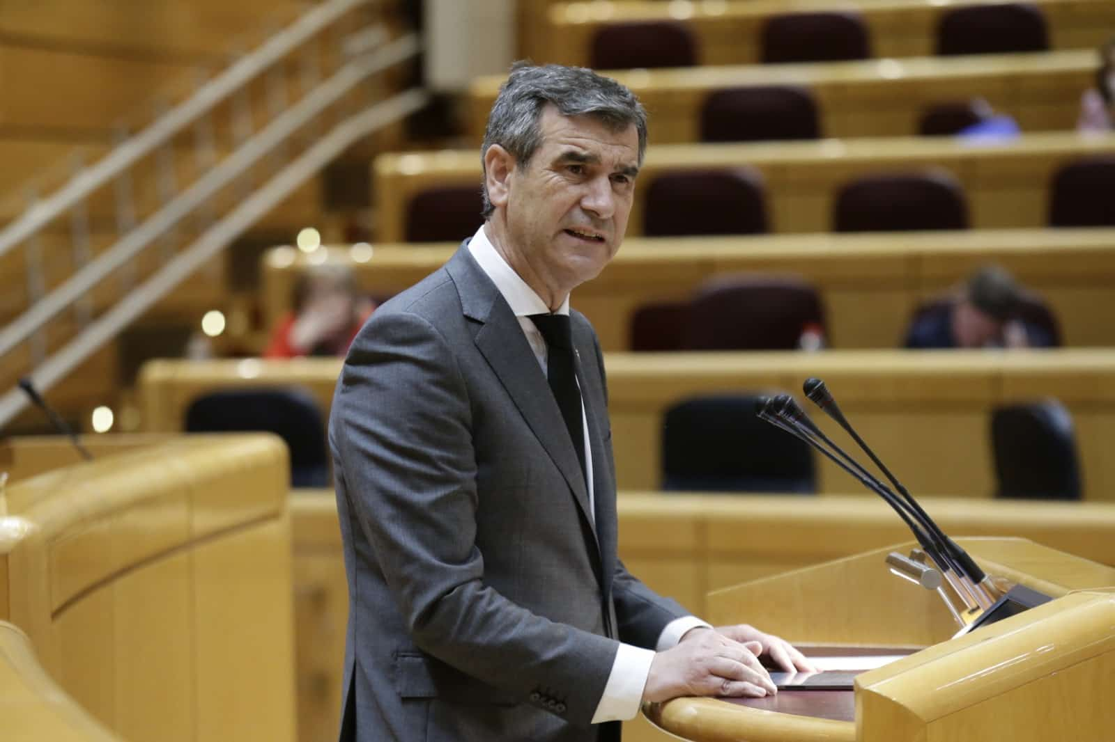 Antonio Román, senador del PP y médico