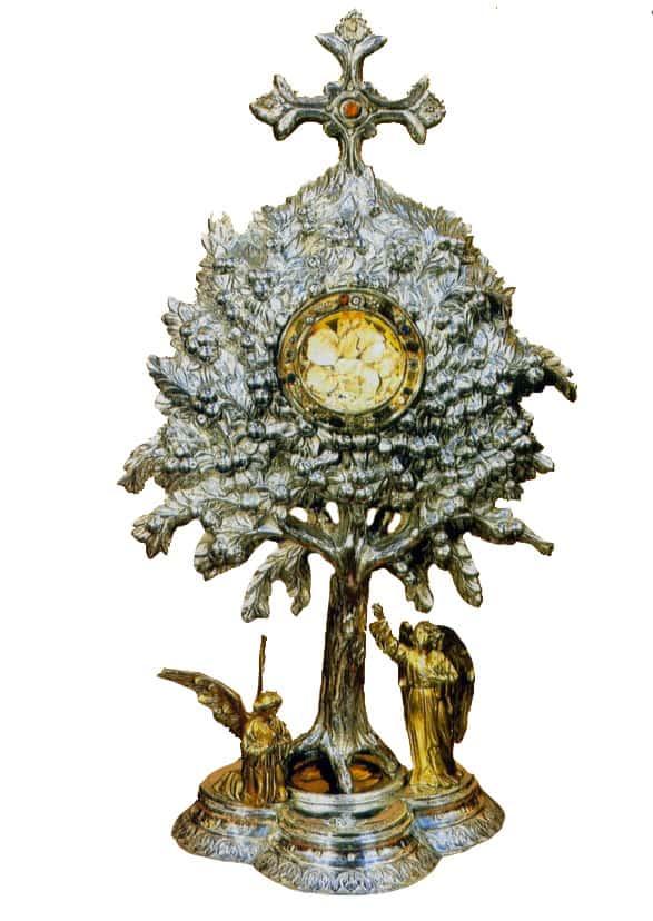 Custodia del Taroncheret , con forma de naranjo, para las formas milagrosas de Silla, Valencia