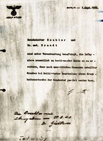Hitler autorizó la eutanasia en 1939, lo llamó