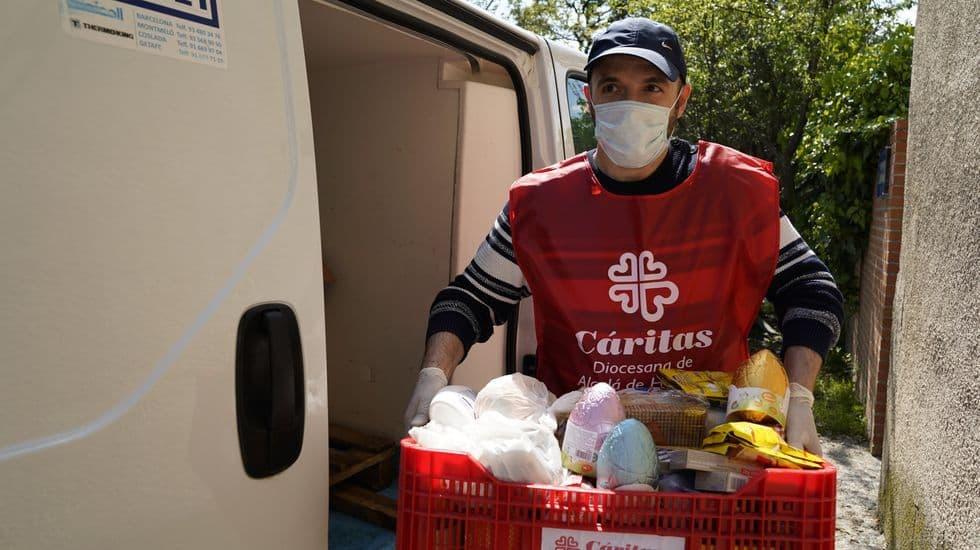 Cáritas y sus voluntarios ayudaban antes de la pandemia, y también con la pandemia