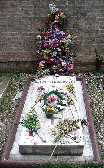 Tumba de Stravinsky.