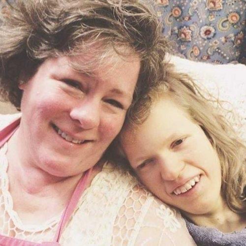 Courtney con su madre