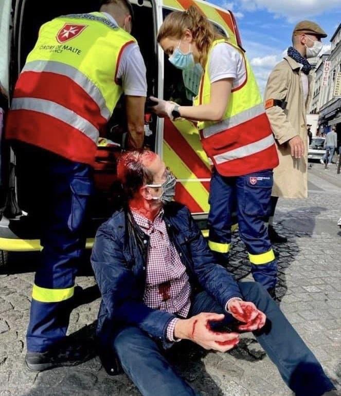 Católico agredido en París