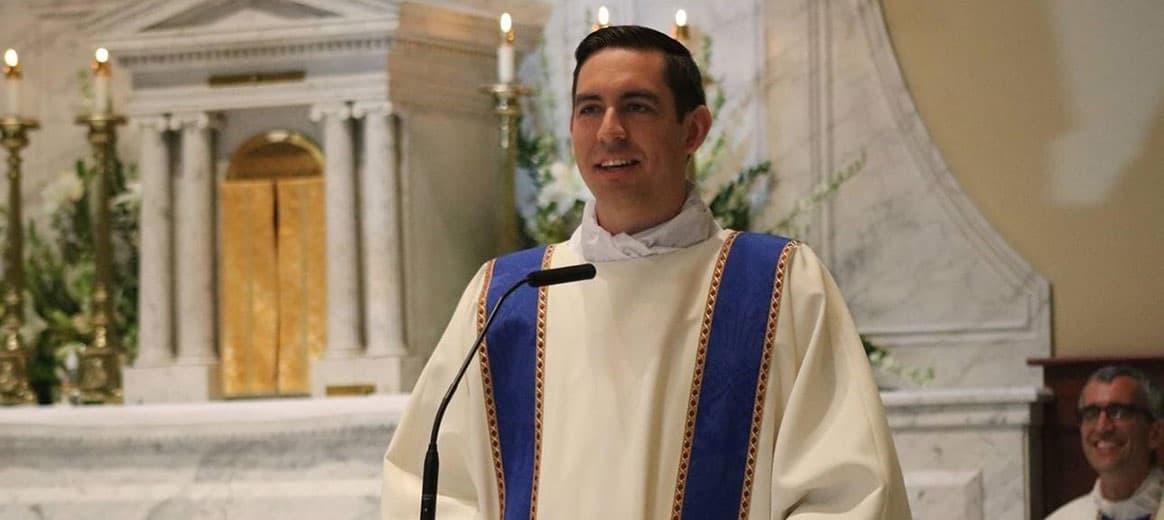 Jonathan Smith deixou de ser diácono para ser padre