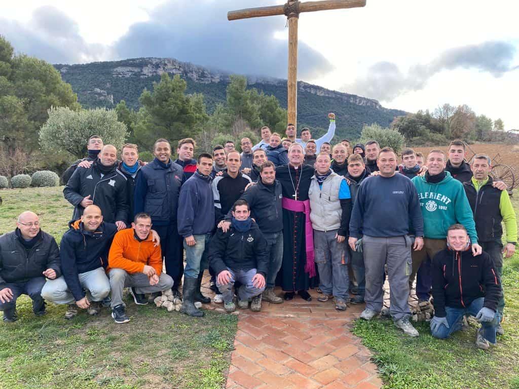Vilanova con jóvenes de la Comunidad del Cenáculo en Tarragona