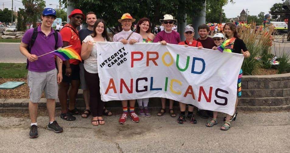 Orgullo Gay de anglicanos en Canadá, con su obispesa primada