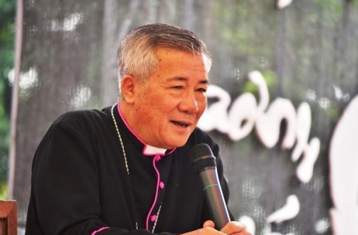El obispo de Vinh, monseñor Nguyễn Hữu Long