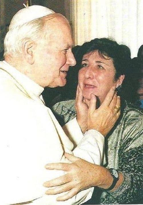 Juan Pablo II y Carmen Hernández