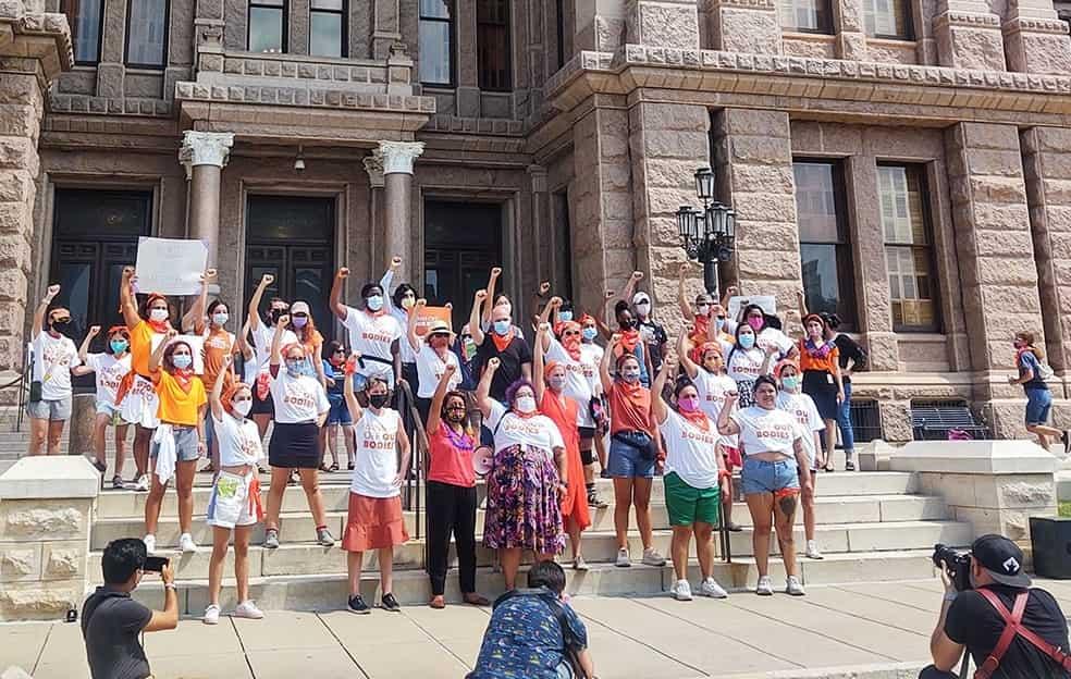 40 abortistas se manifiestan contra la Ley de Latido del Feto de Texas el 1 de septiembre