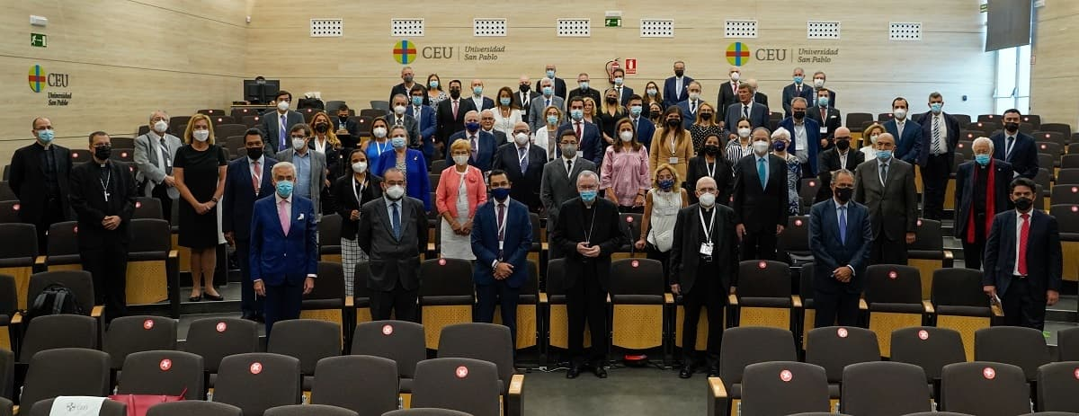 Foto de familia del II Encuentro de Políticos Católicos