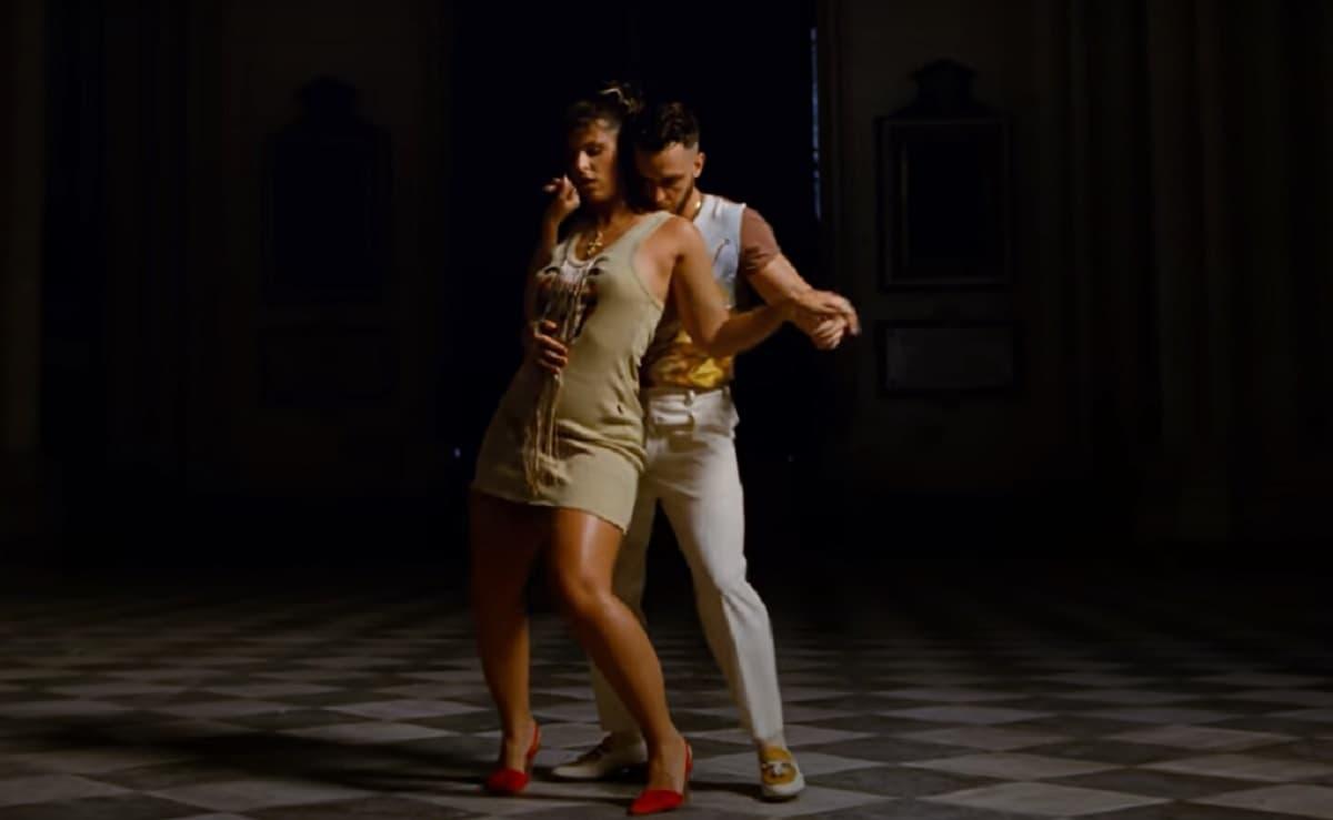 Fotograma de una de las partes del videoclip de Tangana grabadas en la catedral