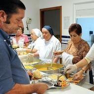 Por qué los comedores sociales suelen estar a cargo de religiosos ...