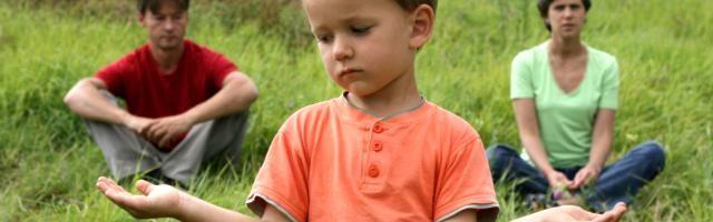 El divorcio y la ruptura de pareja genera pobreza social, especialmente a través de los daños a la infancia