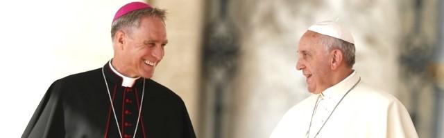 Georg Ganswein y el Papa Francisco, ya entrado en nuevo Pontificado, tienen una relación fluida
