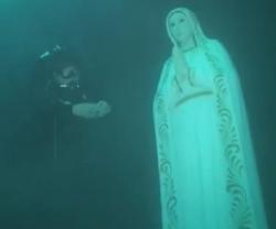 A 24 metros bajo el nivel del mar, se está mejor con la Virgen y se reza más «profundamente