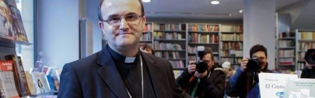 José Ignacio Munilla, con la prensa en una librería, cuando presentó su librito de argumentos contra el aborto