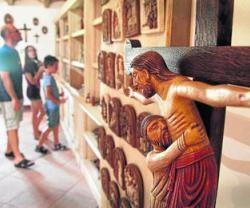 El alma oriental de las monjas cartujas de Jerez, en cerámica: herencia de su fundador, San Bruno