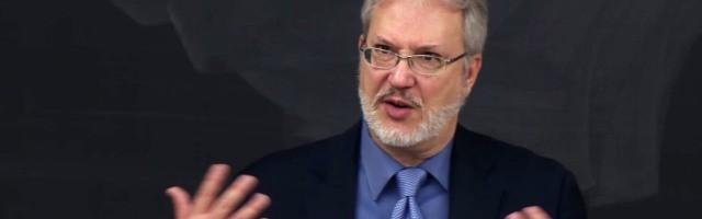 El profesor J. Budziszewski perdió la fe siendo estudiante universitario - tiene 3 consejos para evitar que le pase a más jóvenes