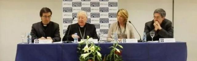 Carlos Granados -director de la BAC-, Reig Pla, María Lacalle y José Granados, autor del libro