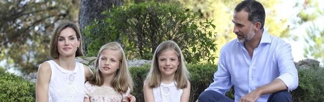 Los Reyes de España no quieren que sus hijas estén demasiado expuestas a las pantallas
