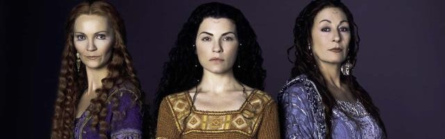 Las sacerdotisas de la Triple Diosa en la teleserie de Las Nieblas de Ávalon de 2001... versión neopagana feminista de lo artúrico