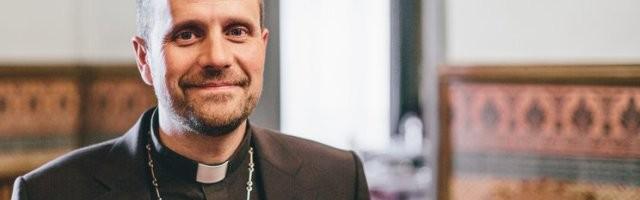 Novell, obispo de Solsona, se mantiene firme y no se deja asustar por los lobbies LGTB ni los políticos