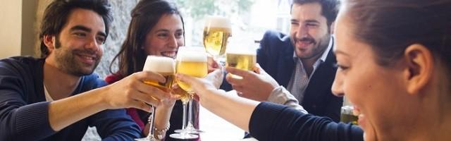 La cerveza es una de las bebidas más refrescantes y está muy unida históricamente a la Iglesia Católica