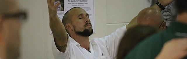 En cada retiro participa un máximo de 66 presos y en él hay adoración, confesión, testimonios...