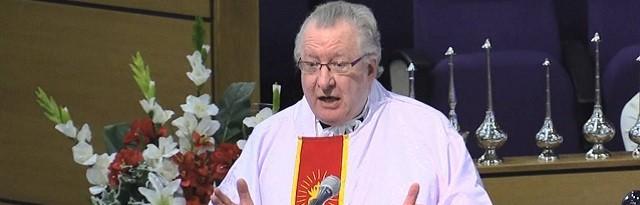 El sacerdote Patt Collins ha hecho un llamamiento público para que se nombren más exorcistas en Irlanda