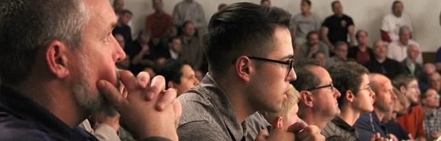 Más de 1.300 hombres católicos participaron en la conferencia Into the brech