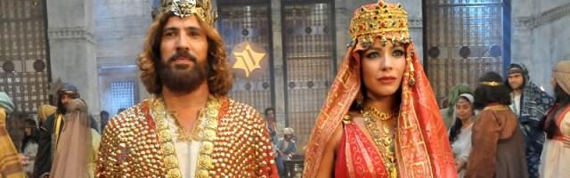 El rey David y Betsabé -antepasados de Jesús- en la teleserie brasileña de 2012 Rey David