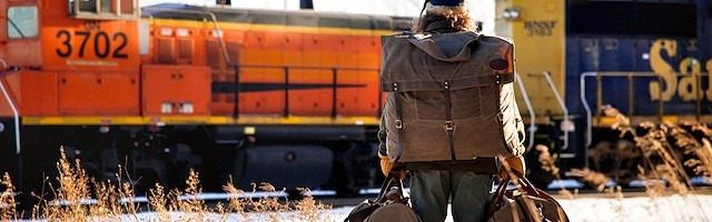 Brad Birzer se vio de golpe ante una situación agobiante: el tren se iba y le dejaba solo en mitad de la nada.