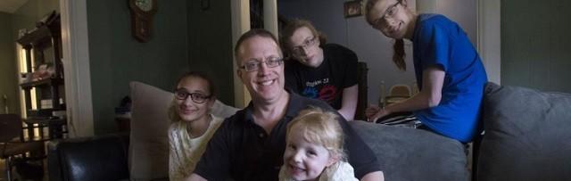 Norman, con cuatro de sus seis hijos