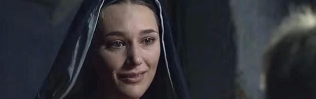 Escena de la miniserie de la RAI María de Nazaret (2012), donde la Virgen María es interpretada por la actriz alemana Alissa Jung.