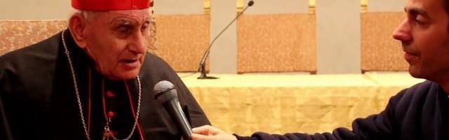El cardenal Simoni, albanés, cuenta que a sus 90 años hace exorcismos por teléfono cada día