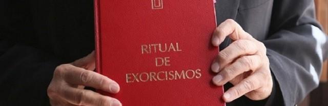 Una mujer que lleva cinco años siendo acompañada con un exorcismo pide que la Iglesia no les abandone