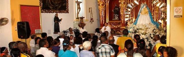 La Iglesia y el pueblo cristiano consagra de forma especial el mes de mayo a la Virgen María.